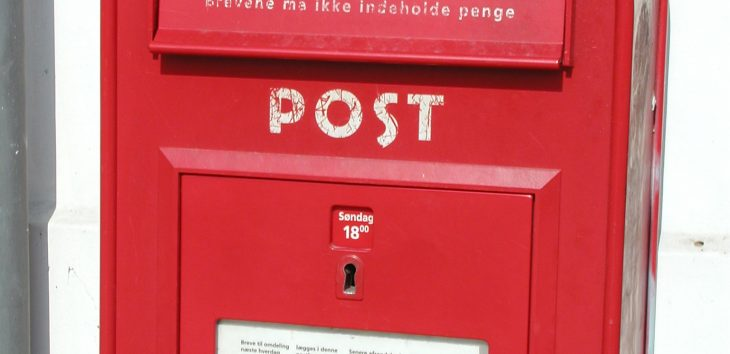 Using email marketing content can help keep customers engaged.